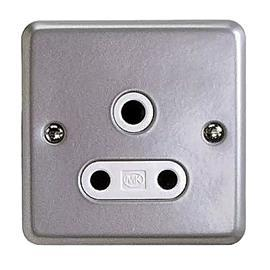 METALCLAD PLUS SHUTTERED SWITCHED SOCKET OUTLET 1G 15A product photo